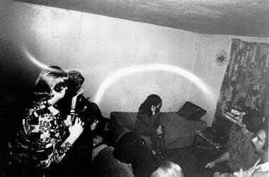 Orbes dans le salon de Doris Bither