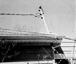Tuyau tordu sur le toit