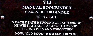 Épitaphe sur la tombe de Old Book